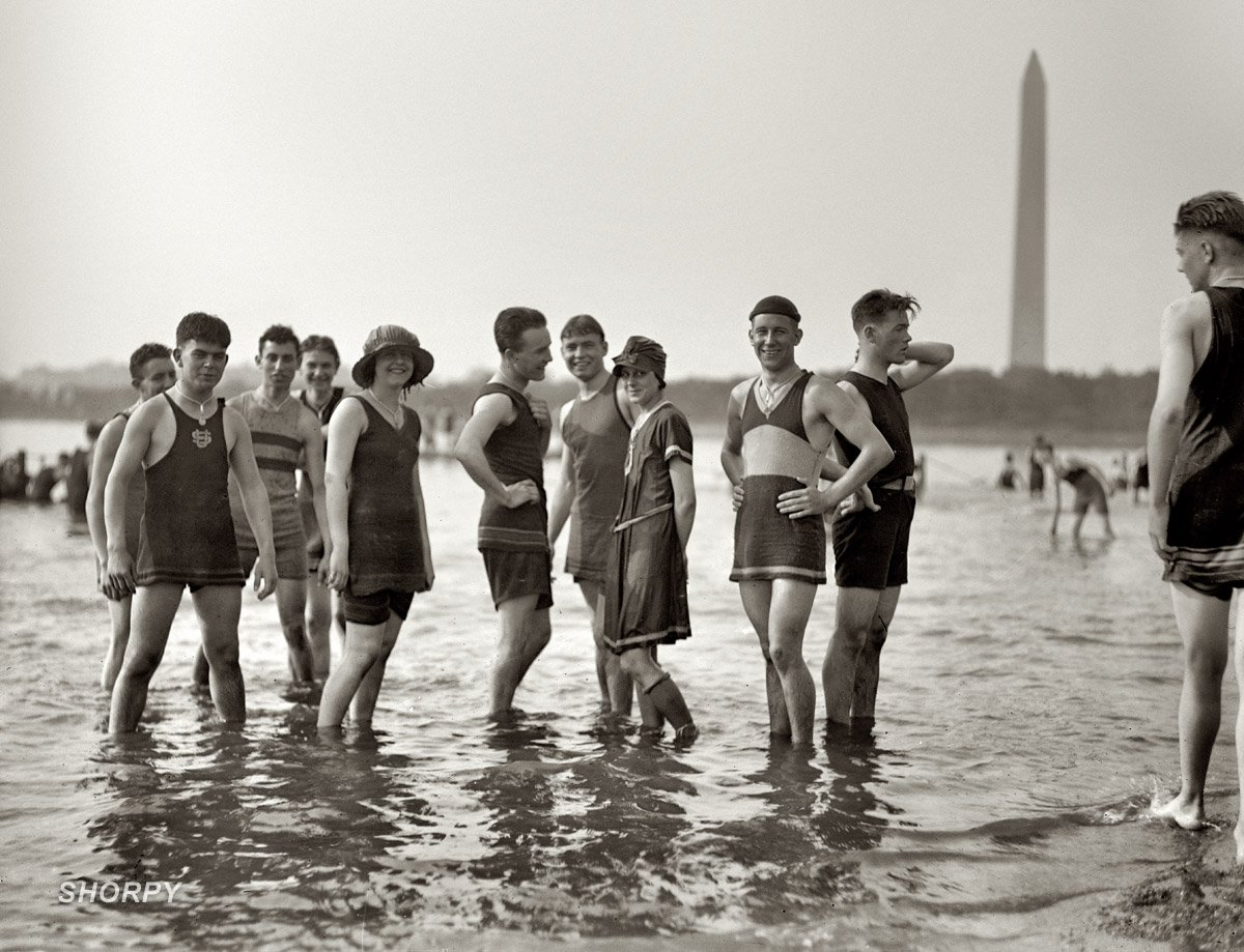 men-and-women-in-bathing-suits1 (1)