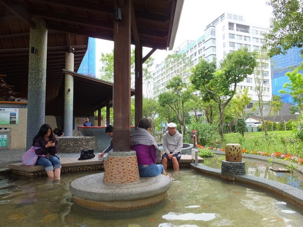 jiaoxi spa park foot bath 1
