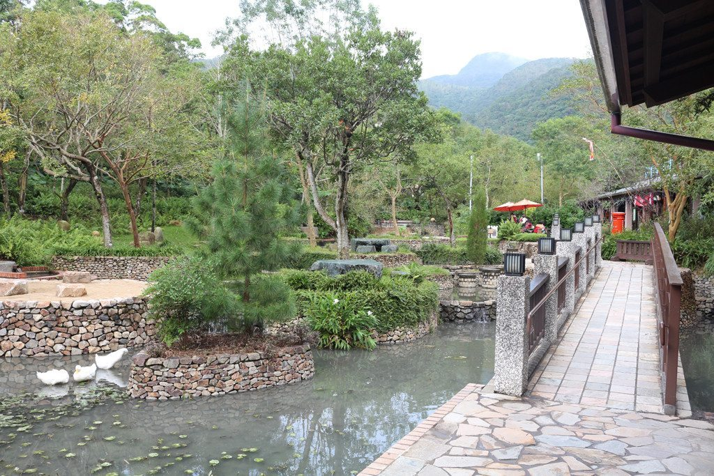 jiaoxi spa park public space