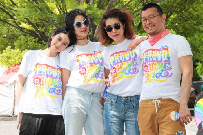 スポンサーのGapより提供されたチャリティTシャツ。この売上はTOKYO RAINBOW COMPETITIONに参加している4団体に寄付されます。 撮影:toboji