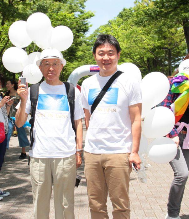 (左)南定四郎さん 撮影:toboji 東京レインボープライド2016にて