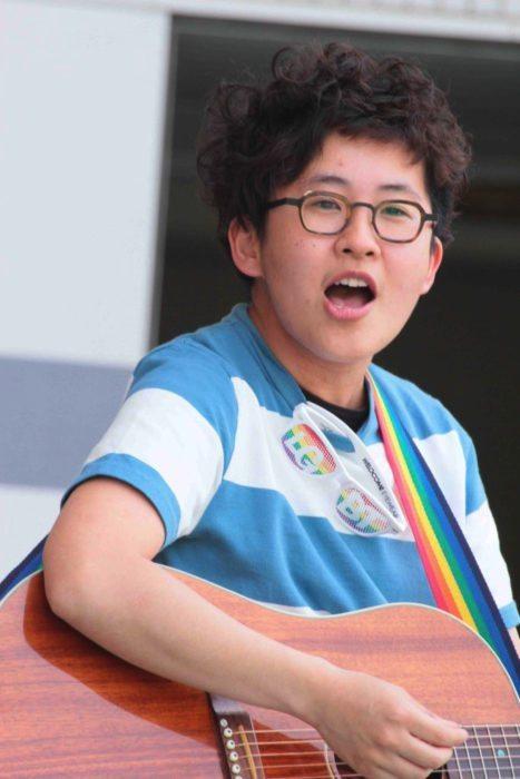 ハナメガネ 香川県高松市在住のFTMシンガーソングライター。TRPのステージに初登場。