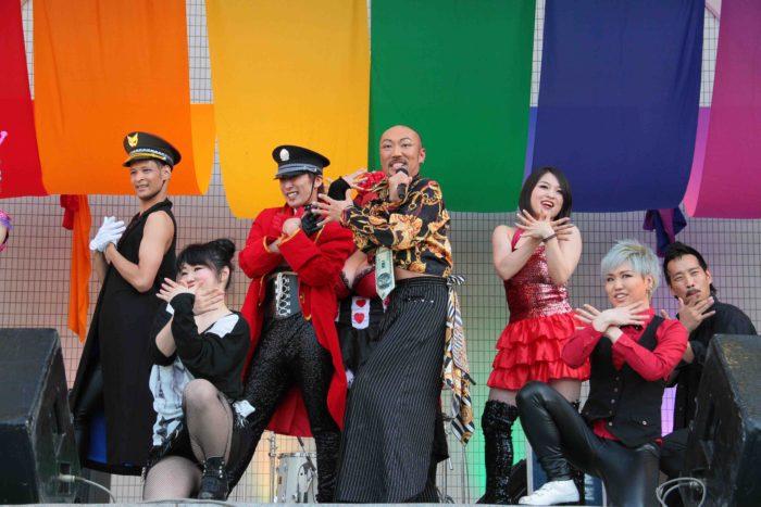 おべガス! オネエダンサーYASU-CHIN率いる個性豊かなパフォーマー集団の魅惑のショーダンス。