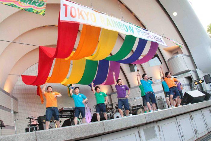 今年も元気に盛り上げたゲイのアイドル・サークル「虹組ファイツ」 撮影:toboji