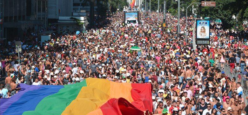 画像引用元 http://www.gaytravel4u.com/event/gay-pride-toronto/