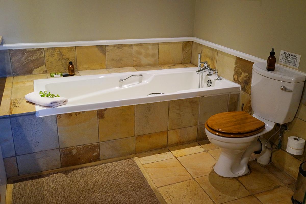 アフリカ サファリ ホテル バスルーム