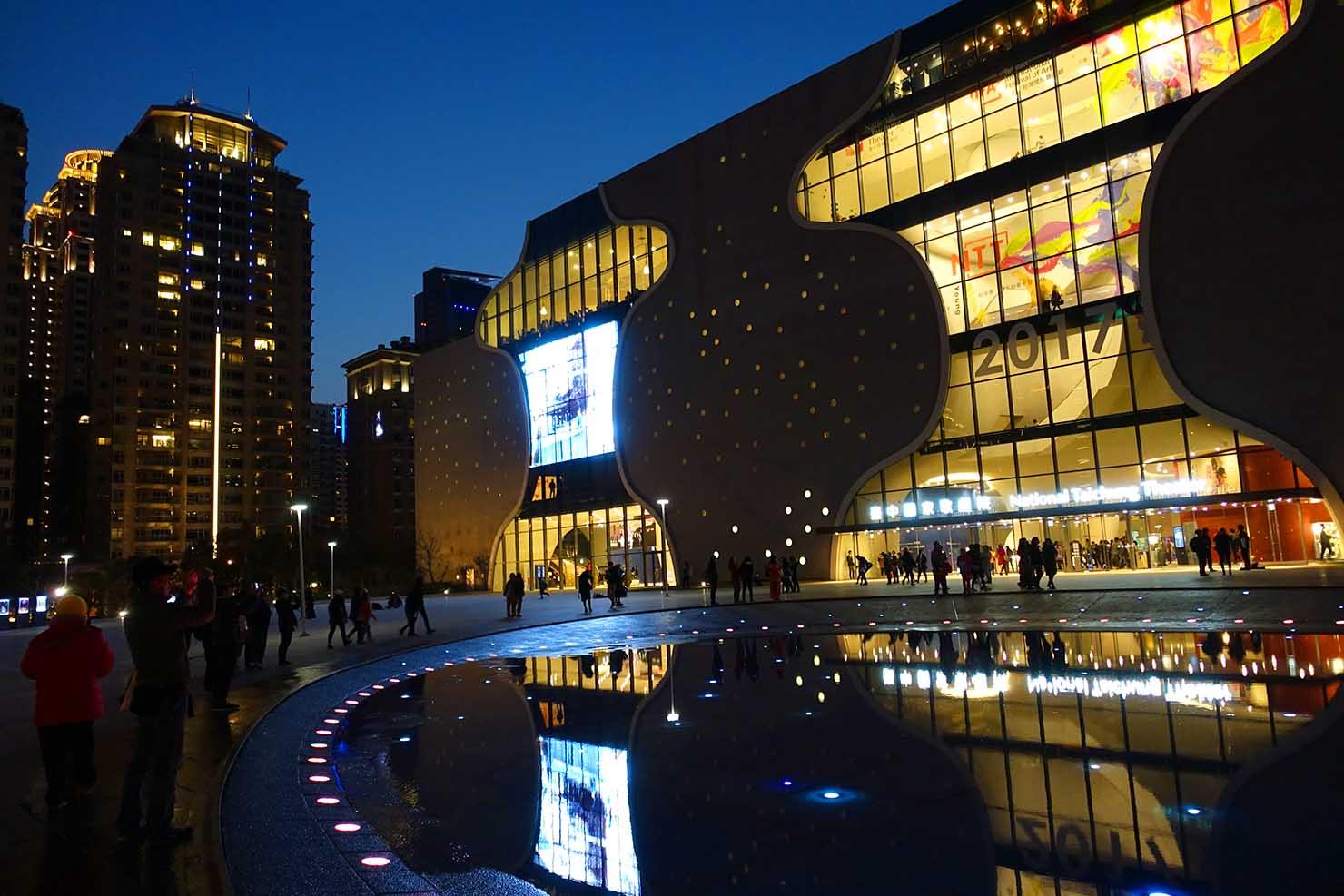 台湾・台中の新名所「台中國家歌劇院」